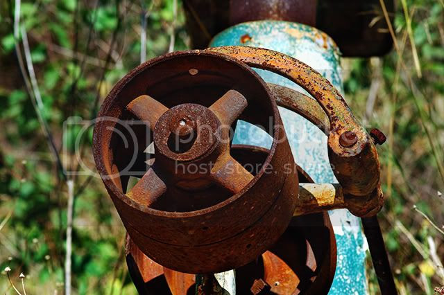 Rusty Wheel [enlarge]