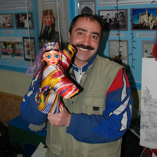 Puppet player