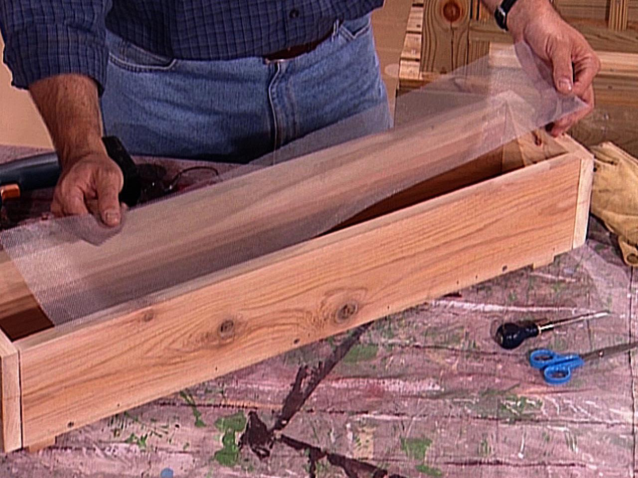 How to Build a Wooden Planter Box | how-tos | DIY