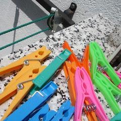 clothespins from El Dia
