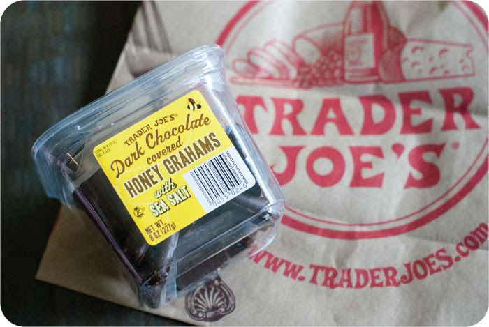 Trader Joe's Dark Chocolate Covered Honey Grahams with Sea Salt review : from a weekly Trader Joe's review series > http://bakeat350.blogspot.com/search/label/trader%20joe%27s