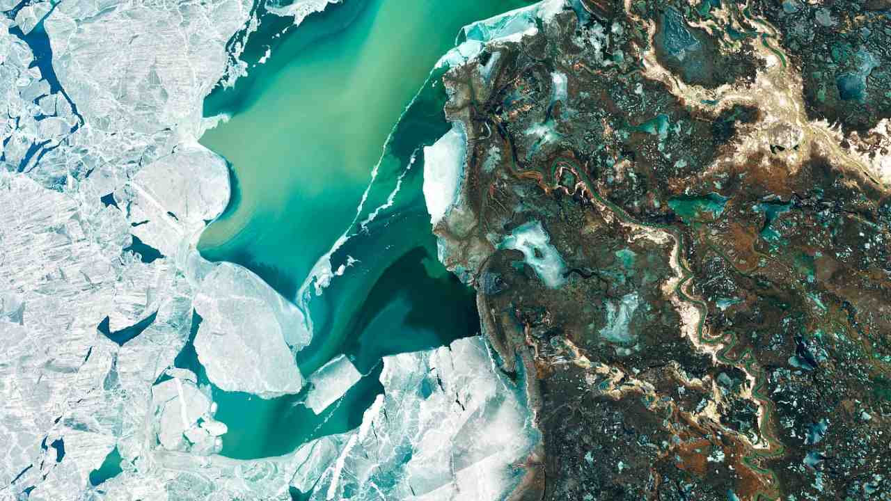 A Delta Oasis in Southeastern Kazakhstan Credits: NASA Earth Observatory images by Joshua Stevens, using Landsat data from the U.S. Geological Survey