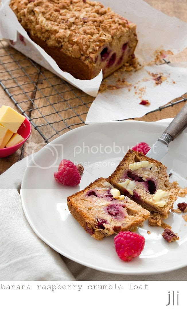 banana raspberry crumble loaf photo blog-5_zpsa2df849a.jpg