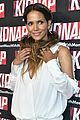 halle berry brings kidnap to miami in stunning white mini dress 02