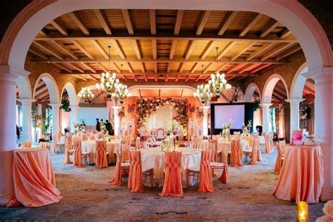 gorgeous peach and white table setting decor for wedding