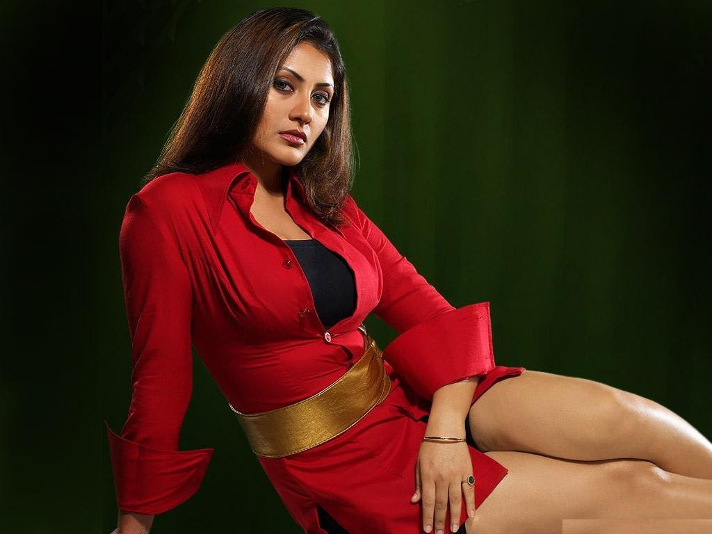 Rimi Sen Hot Bikini Photos, Hd Pics & Latest Wallpapers