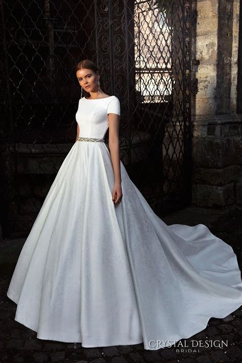 25  best ideas about Simple wedding gowns on Pinterest