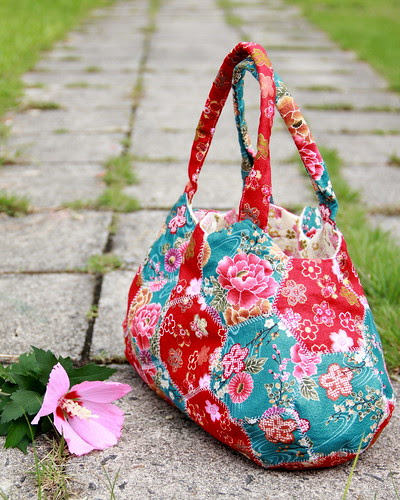 Hexagon Motif Bag with Japanese Fabric