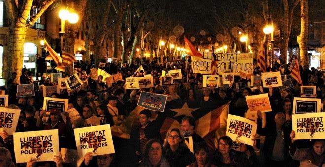 Vista de la manifestación por el Paseo del Borme de Palma para exigir libertad de los exconsellers y 'los Jordis'. E.P.