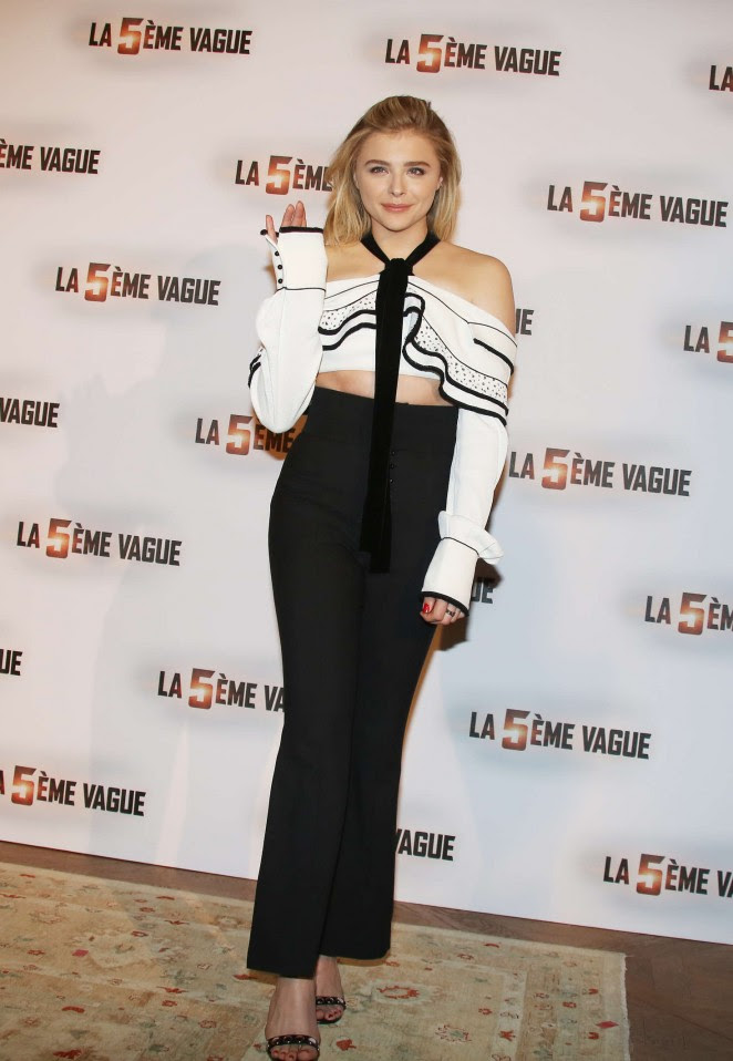 Chloe Moretz: The 5th wave Photocall -07