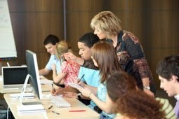 Guide d'utilisation pédagogique des médias sociaux | Community management formation