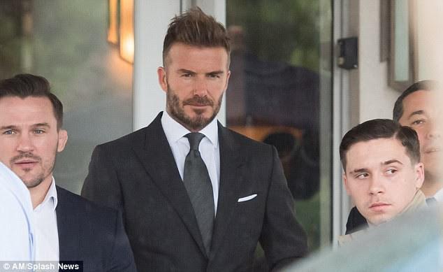 David Beckham chứng minh chỉ cần cắt bỏ mái tóc dài, các bạn nam sẽ phong độ và hấp dẫn hơn nhiều lần - Ảnh 5.