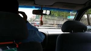 タクシー12USDでホテルへ