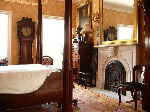 williamiveylong_bedroom2