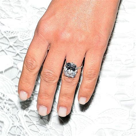 Kim Kardashian Engagement Ring: Get the Look   Kanye west