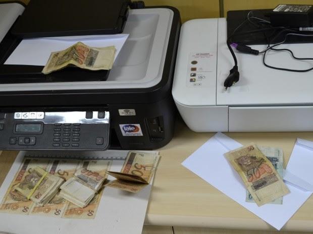 Cédulas falsificadas em Salgueiro, PE (Foto: Divulgação/ Polícia Federal em Salgueiro)