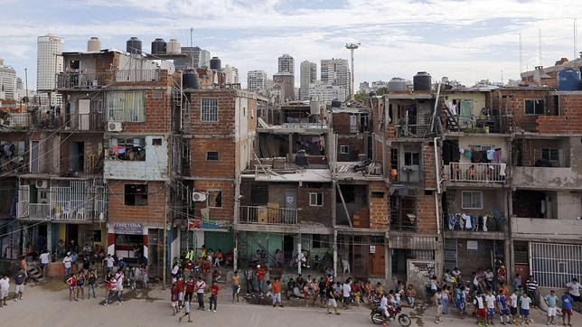 El «símbolo de la pobreza» en Argentina: las villas. En la imagen, la Villa 31, en el centro de la ciudad de Buenos Aires