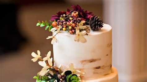 Unique Flavor Combinations for Your Fall Wedding Cake