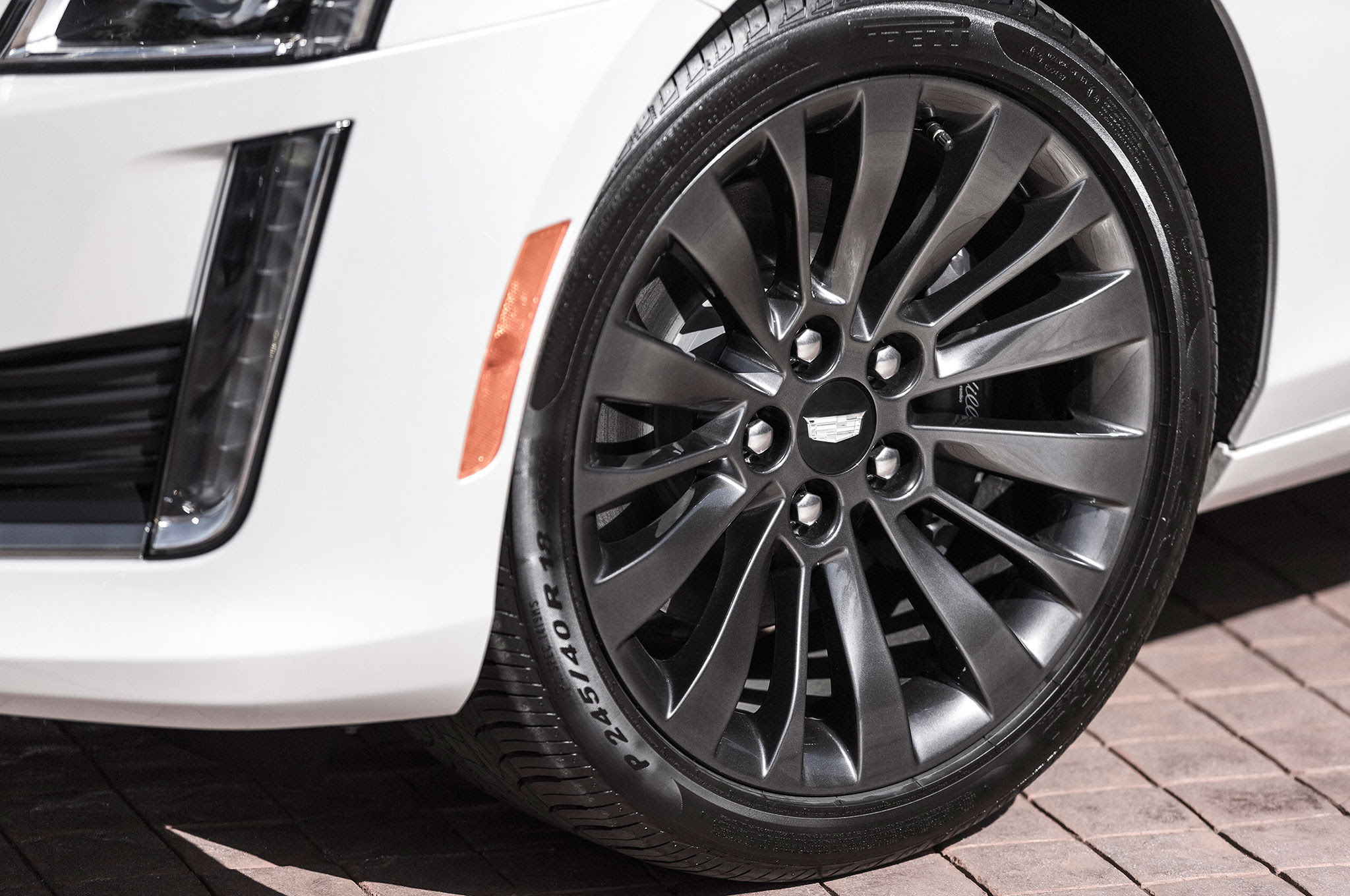 2016 Cadillac ATS and CTS Add Black Chrome Package ...