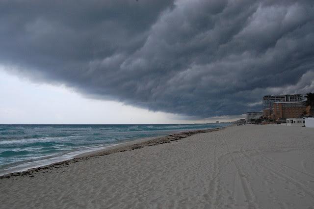 cancun_storm_ocean