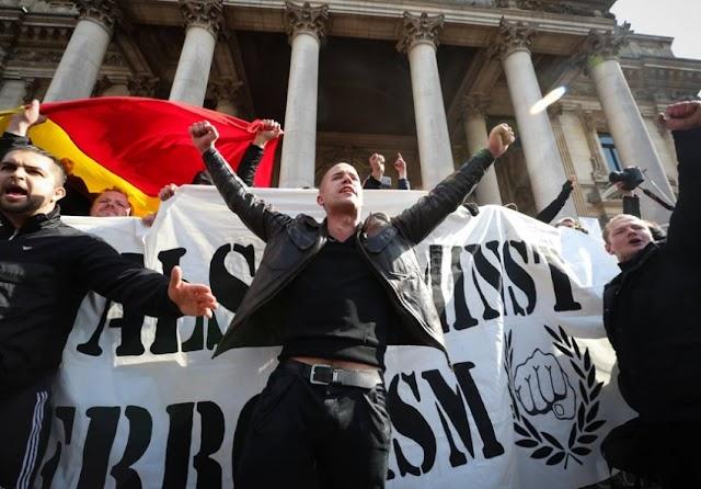 Zizek: O fascismo problema da democracia