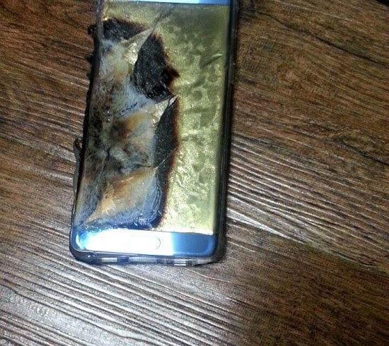 بالصور .. لحظة انفجار هاتف سامسونج غالاكسي نوت 7 خلال شحنه
