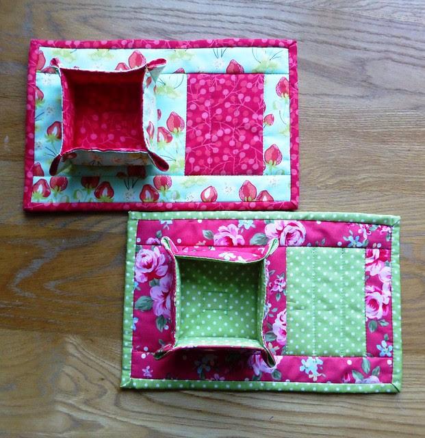 Mugrug & Hostess Box set Dec12