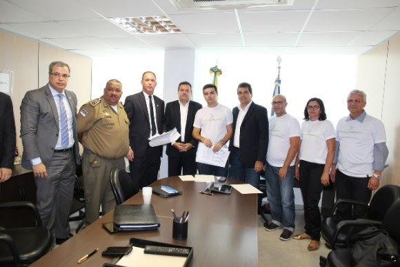 O encontro aconteceu no prédio da Secretaria de Planejamento e Gestão (SEPLAG).