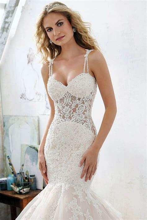 These 4 Wedding Gowns Were Made for Hourglass Body Types