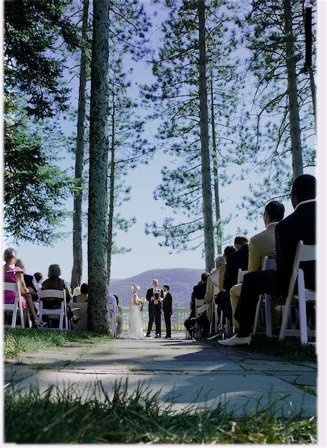 Five of the Best Wedding Ceremony Locations in the Hudson