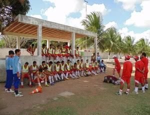 Elenco Sub-20 do América-RN se prepara para jogar Copa São Paulo (Foto: Edmo Nathan/ Divulgação)