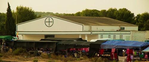 Iglesia y mercadillo