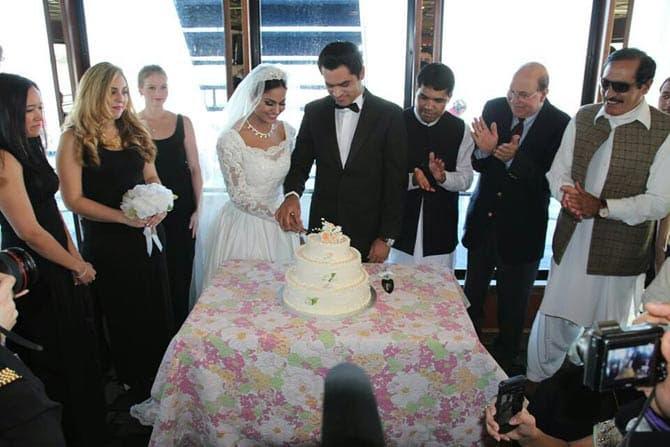 veena-malik-white-wedding-celebrations-3