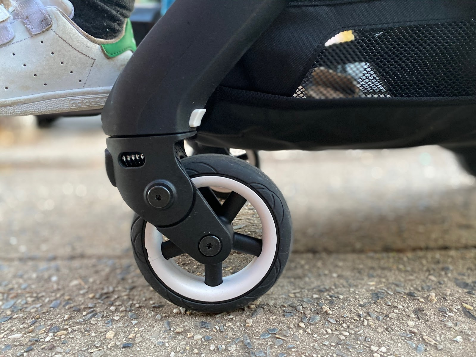 bugaboo ant stroller review: wheels