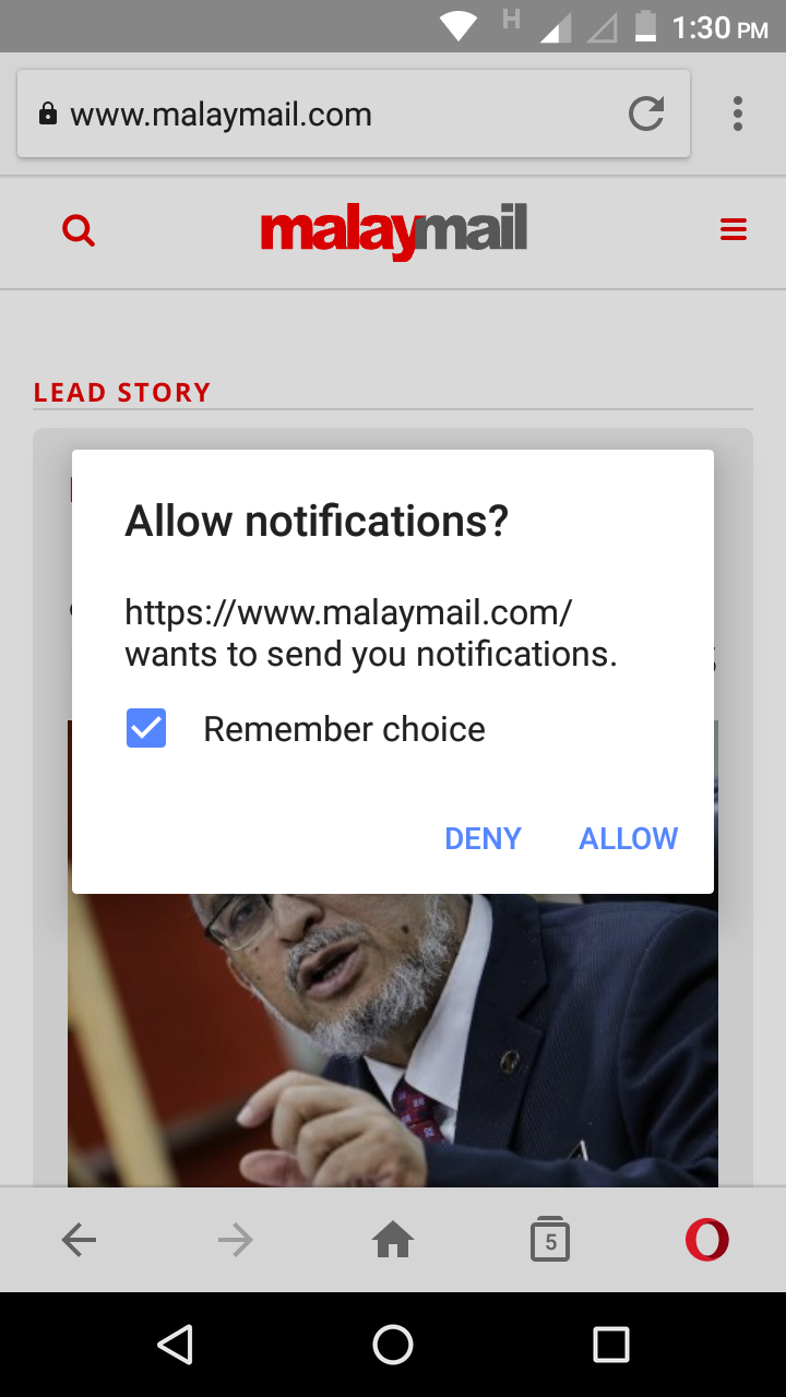 Example of a mobile subscription prompt on opera browser