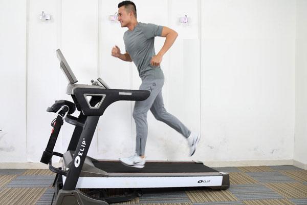 Chạy bộ thích hợp cho giới trẻ luyện tập để mau chóng lấy lại vóc dáng thon gọn