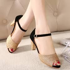 3 nguyên nhân khiến phái đẹp nghiện đi giầy cao gót 7
