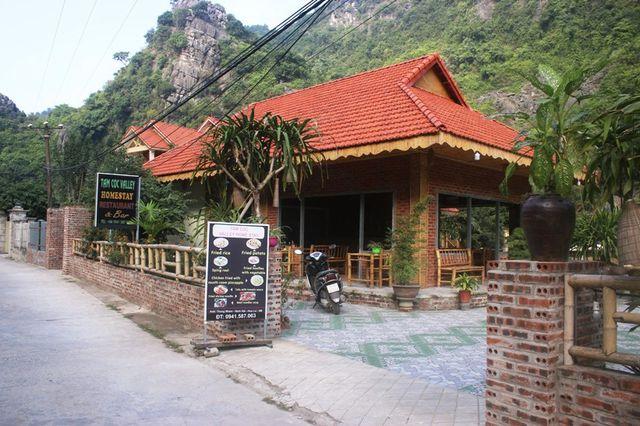 Hàng loạt homestay không phép mọc lên như nấm sau mưa trong vùng lõi di sản Tràng An - Ninh Bình.