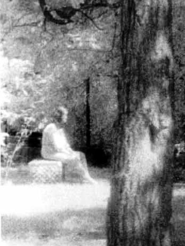 Bóng ma trong nghĩa địa