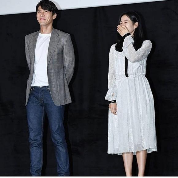 hyun bin và son ye jin chọn gam màu trung tính