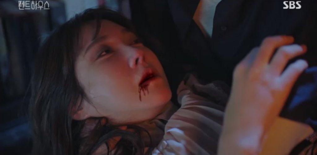 4 câu hỏi to đùng cần lời giải ở Penthouse 2: Chị đẹp Lee Ji Ah sống hay chết, trả lời mau! - Ảnh 1.