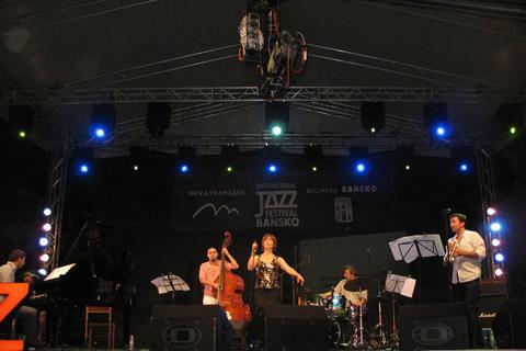 http://banskojazzfest.com/images/jazz/gallery/2012.jpg