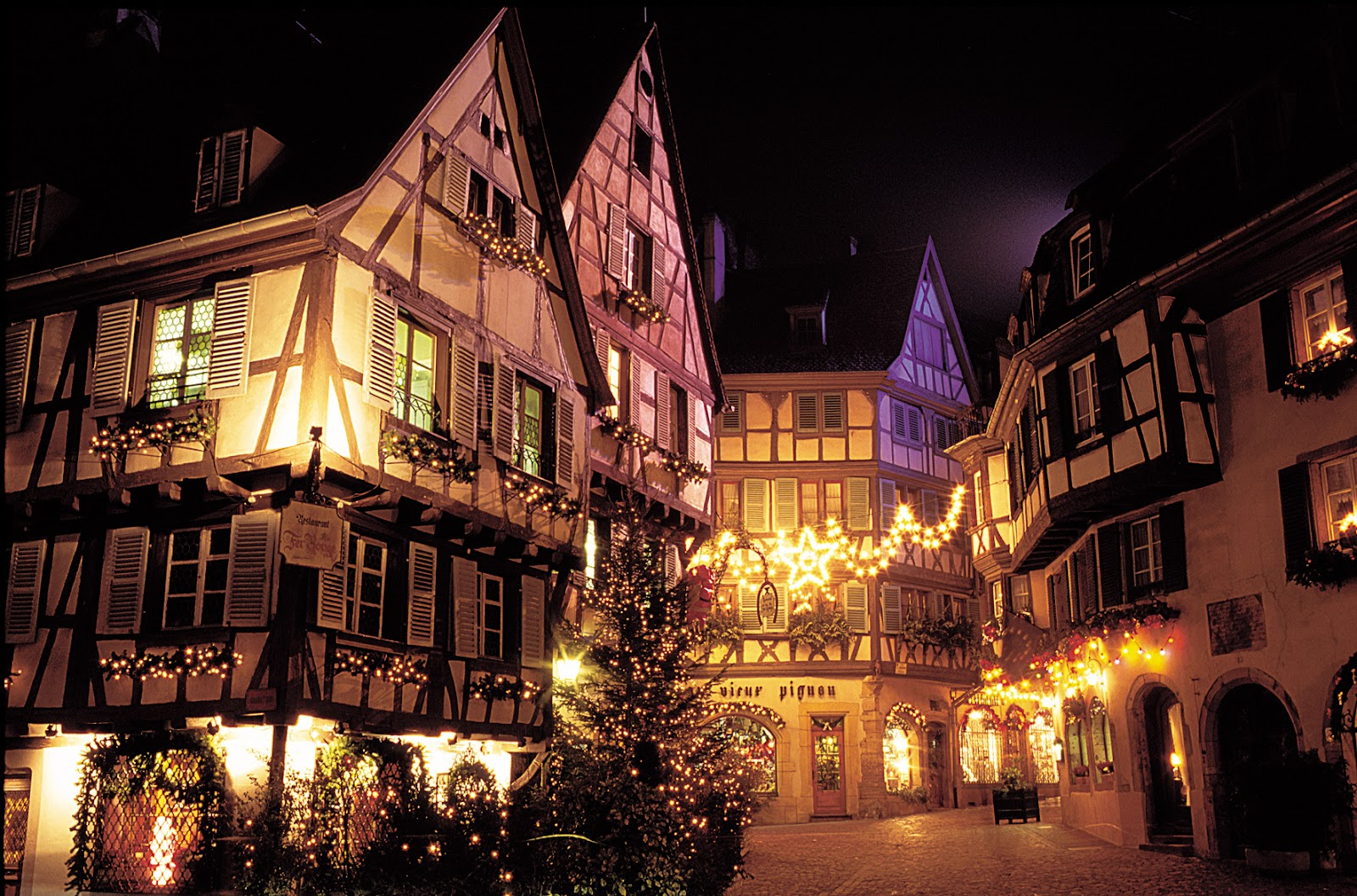Christmas in Colmar_ Photo Credit CroisiEurope.jpg