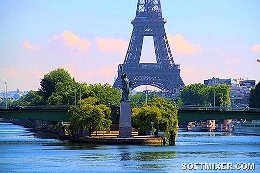 Статуя-Свободы-в-Париже