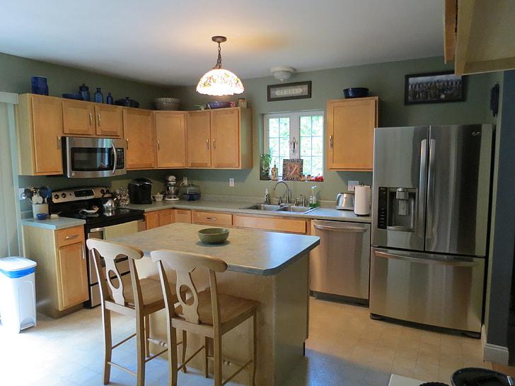 Small Kitchen Make Spaciaous
