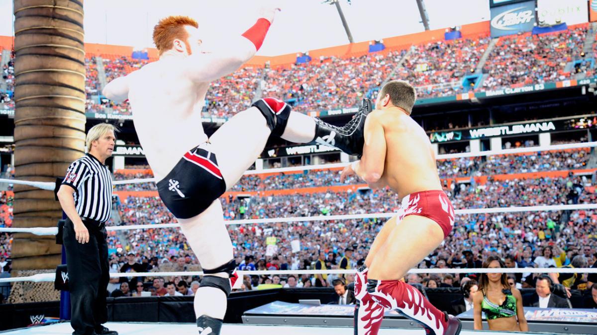 Sheamus vs Bryan WM28 (WWE).jpg