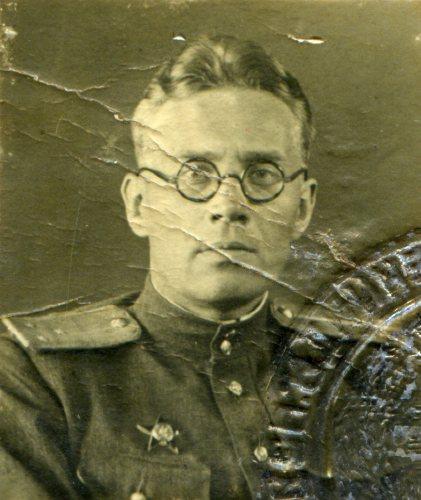Артёмов Борис Васильевич (1909–?) — сотрудник органов госбезопасности, полковник.