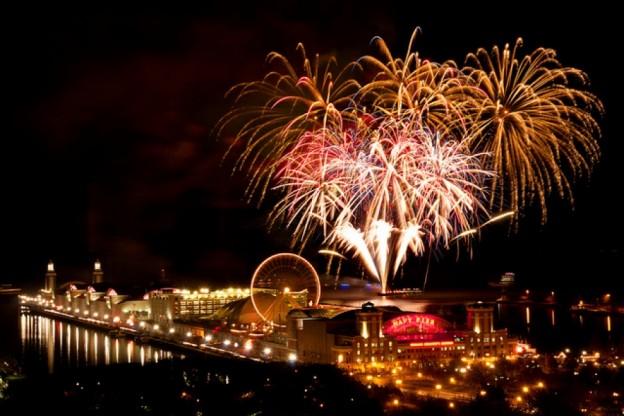 fireworksnavypier-624x416.jpg