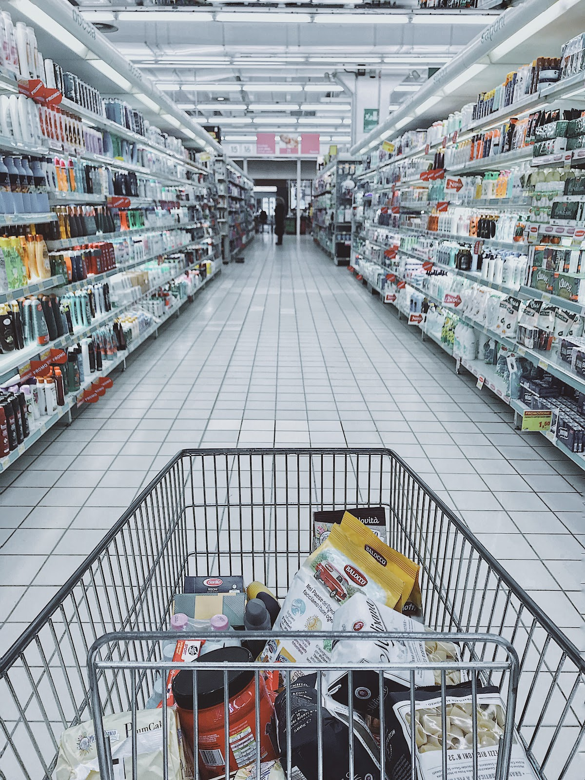 shopping-cart-with-items