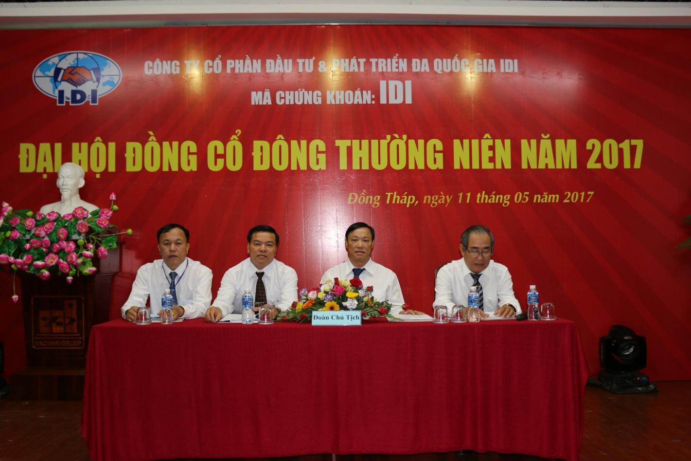 2. Đoàn Chủ tịch Đại hội dự phiên họp.JPG
